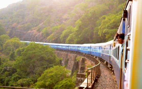 Viaggio in treno - Поездка на поезде.